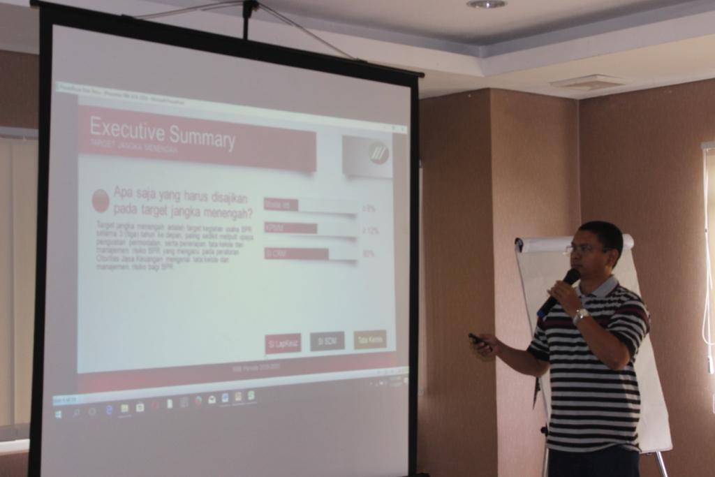 In House Training Menyusun Rencana Bisnis BPR Teori dan Aplikasi